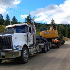 Lowbedding Excavator